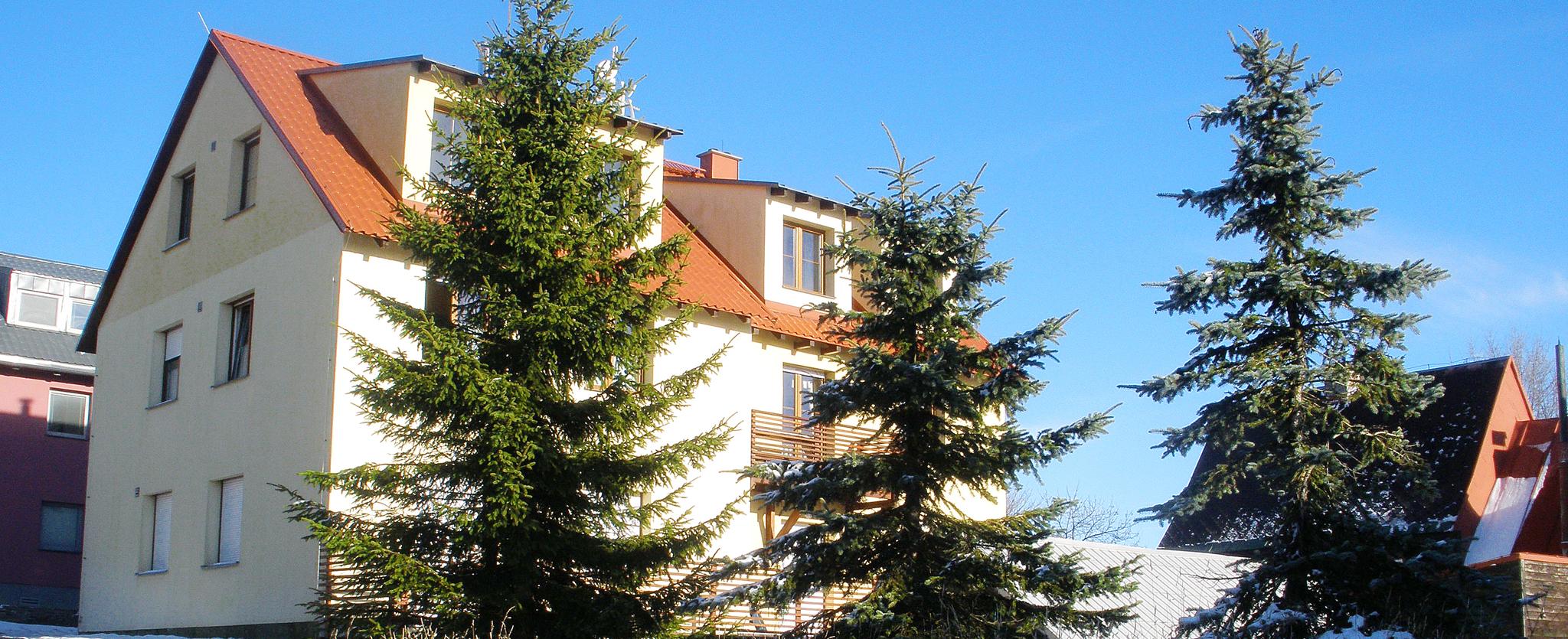 Apartmánový dům U tří smrků